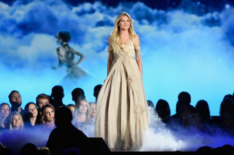 NASHVILLE, TN - NOVEMBER 02: Kelsea Ballerini performs onstage at the 50th annual CMA Awards at the Bridgestone Arena on November 2, 2016 in Nashville, Tennessee.  (Photo by Gustavo Caballero/Getty Images)
