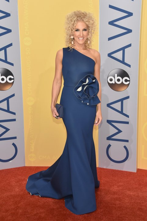 NASHVILLE, TN - NOVEMBER 02:  Kimberly Schlapman of Little Big Town attends the 50th annual CMA Awards at the Bridgestone Arena on November 2, 2016 in Nashville, Tennessee.  (Photo by John Shearer/WireImage)