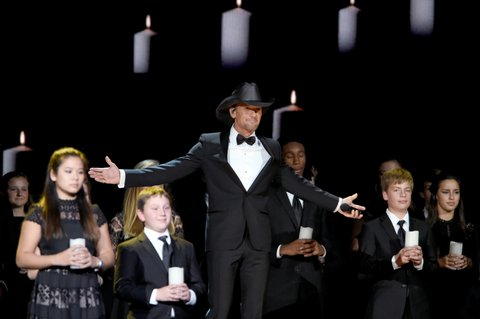 NASHVILLE, TN - NOVEMBER 02:  Tim McGraw performs onstage at the 50th annual CMA Awards at the Bridgestone Arena on November 2, 2016 in Nashville, Tennessee.  (Photo by Erika Goldring/FilmMagic)