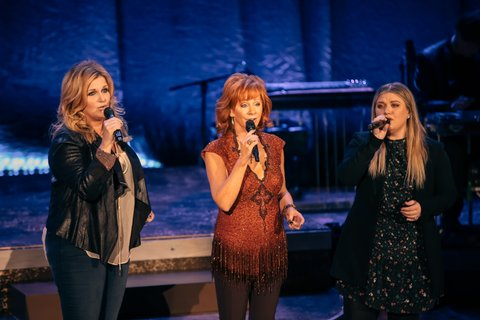 Q10A4675_Trisha Yearwood, Reba, Kelly Clarkson