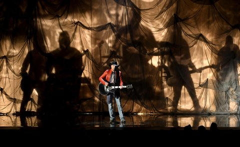 LAS VEGAS, NV - APRIL 02:  Recording artist Jason Aldean performs onstage during the 52nd Academy Of Country Music Awards at T-Mobile Arena on April 2, 2017 in Las Vegas, Nevada.  (Photo by Ethan Miller/Getty Images)
