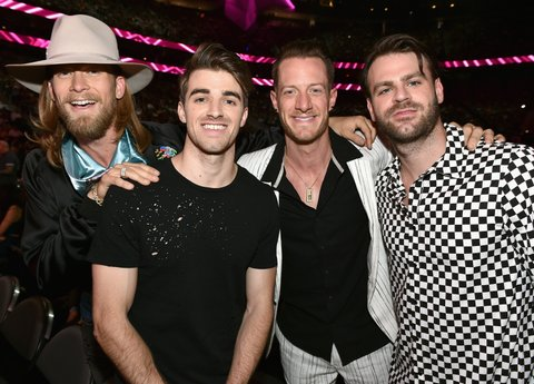 LAS VEGAS, NV - MAY 21: (L-R) Musicians Brian Kelley of Florida Georgia Line, Andrew Taggart of The Chainsmokers, Tyler Hubbard of Florida Georgia Line and Alex Pall of The Chainsmokers attend the 2017 Billboard Music Awards at T-Mobile Arena on May 21, 2017 in Las Vegas, Nevada.  (Photo by John Shearer/BBMA2017/Getty Images for dcp)