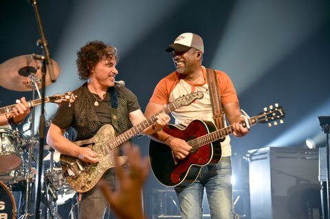 NASHVILLE, TN - JUNE 05:  Musicians John Oates (L) of  Hall & Oates and Darius Rucker (R) perform onstage during the 8th annual Darius & Friends concert to benefit St. Jude's Children's Research Hospital held at the Ryman Auditorium on June 5, 2017 in Nashville, Tennessee.  (Photo by John Shearer/Getty Images)