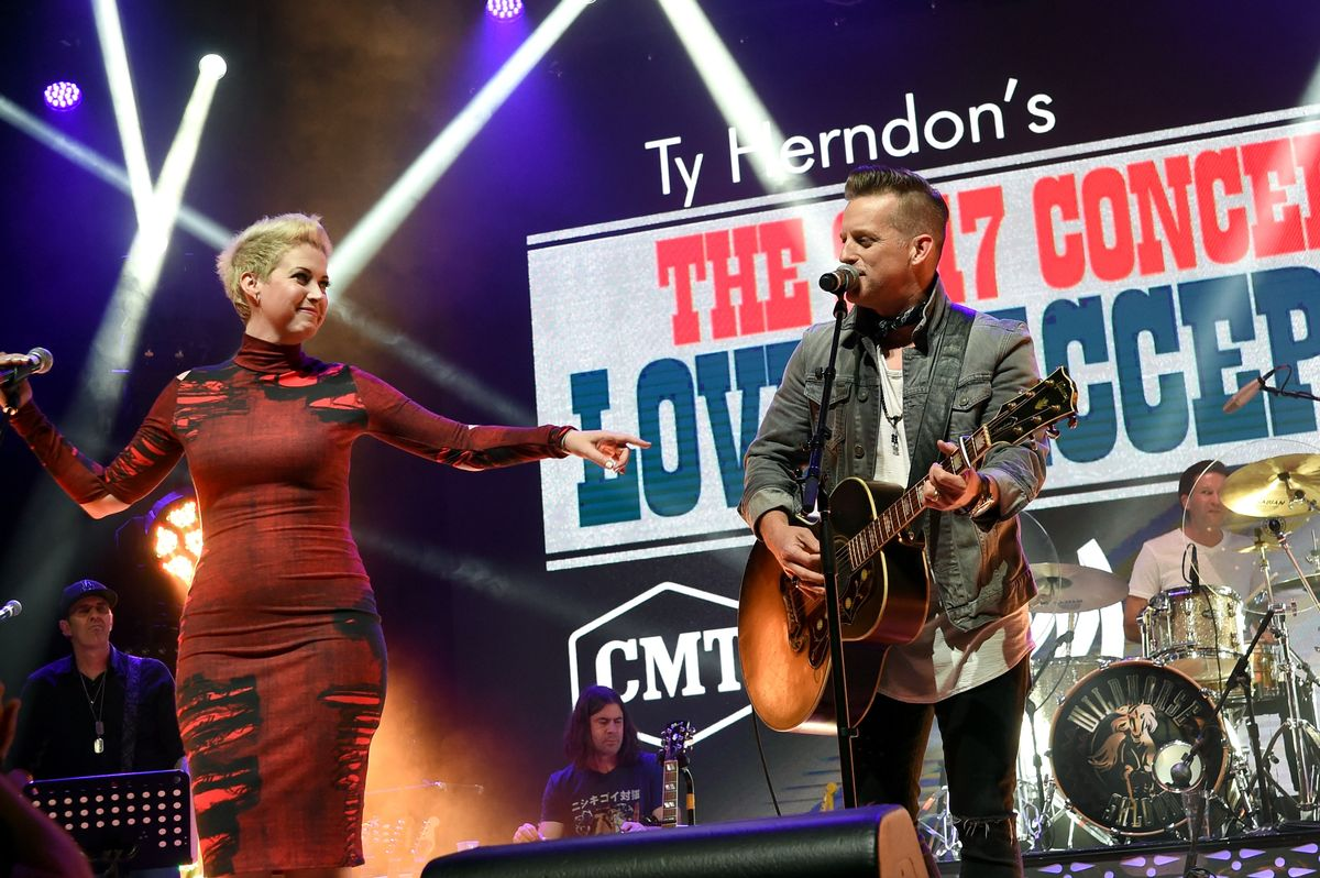 NASHVILLE, TN - JUNE 08: Shawna Thompson and Keifer Thompson of Thompson Square perform onstage during the 2017 Concert for Love & Acceptance on June 8, 2017 in Nashville, Tennessee. (Photo by Rick Diamond/Getty Images for Love & Acceptance)