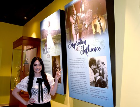 NASHVILLE, TN - AUGUST 22:  Kacey Musgraves views the Loretta Lynn: Blue Kentucky Girl exhibit at the Country Music Hall of Fame and Museum on August 22, 2017 in Nashville, Tennessee.  (Photo by Rick Diamond/Getty Images for Country Music Hall Of Fame & Museum)