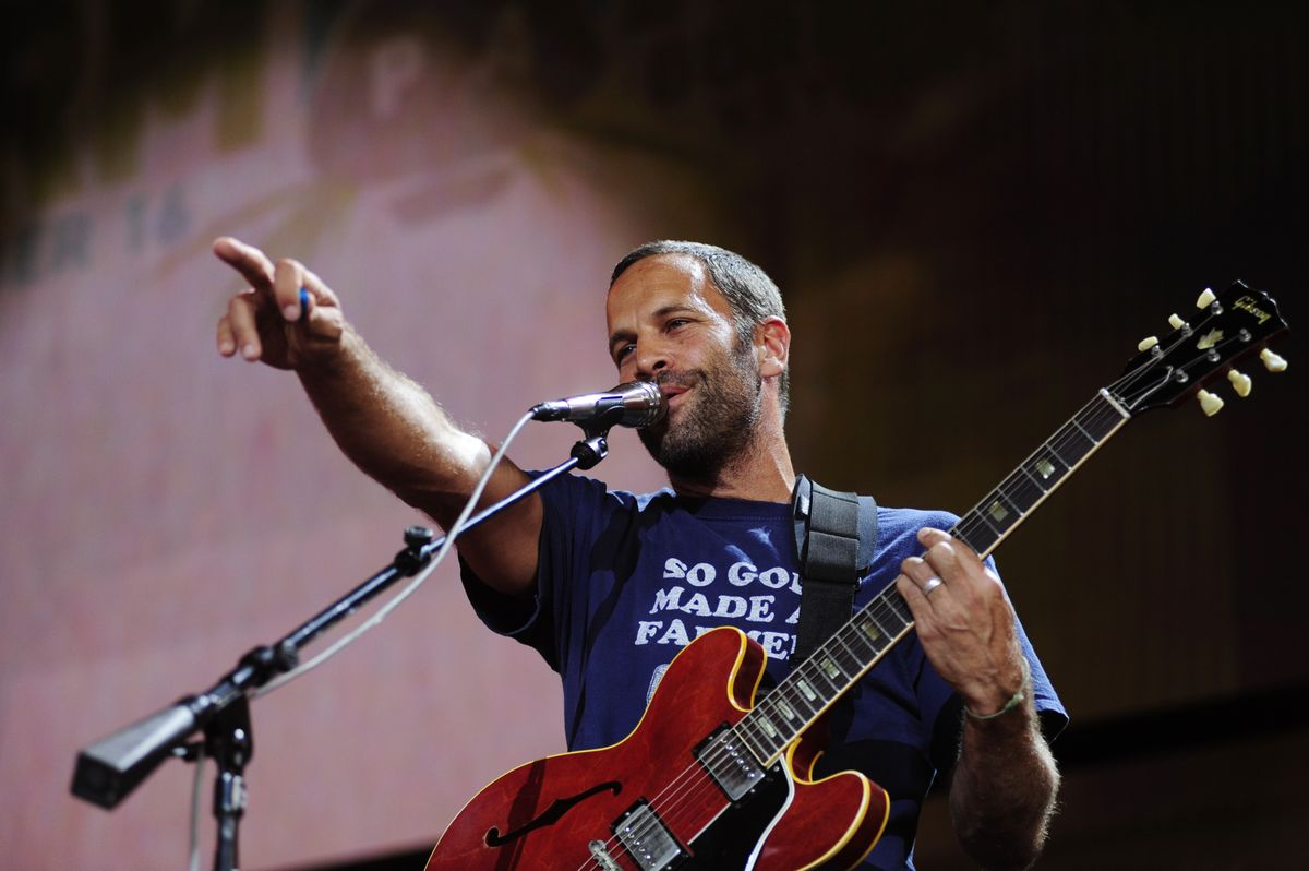 PITTSBURGH, PA - SEPTEMBER 16: Jack Johnson performs during  2017 Farm Aid on September 16, 2017 in Burgettstown, Pennsylvania. (Photo by Matt Kincaid/Getty Images)