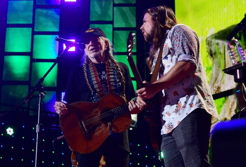 PITTSBURGH, PA - SEPTEMBER 16: Willie Nelson and Lukas Nelson performs during  2017 Farm Aid on September 16, 2017 in Burgettstown, Pennsylvania. (Photo by Matt Kincaid/Getty Images)