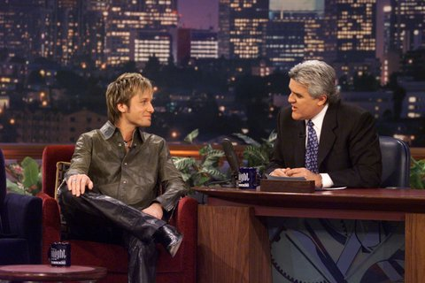 THE TONIGHT SHOW WITH JAY LENO -- Episode 2016 -- Pictured: (l-r) Musical guest Keith Urban during an interview with host Jay Leno on March 15, 2001 -- (Photo by: Paul Drinkwater/NBC/NBCU Photo Bank via Getty Images)