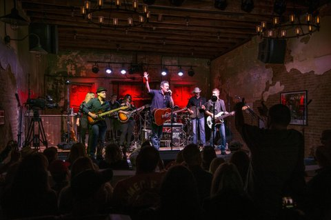 TISHOMINGO, OK - SEPTEMBER 29:  Blake Shelton  christens Ole Red Tishomingo stage as the first performance at the new restaurant, bar and retail space venture with Ryman Hospitality Properties, Inc. with proceeds benefiting J.C. Reaching Out on September 29, 2017 in Tishomingo, Oklahoma.  (Photo by Erika Goldring/Getty Images for Ryman Hospitality Properties Inc)