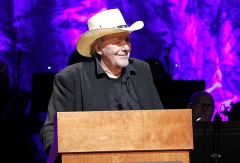 NASHVILLE, TN - OCTOBER 22:  Musician Bobby Bare speaks onstage at the Country Music Hall of Fame and Museum Medallion Ceremony to celebrate 2017 hall of fame inductees Alan Jackson, Jerry Reed And Don Schlitz at Country Music Hall of Fame and Museum on October 22, 2017 in Nashville, Tennessee.  (Photo by Terry Wyatt/Getty Images for Country Music Hall Of Fame & Museum)