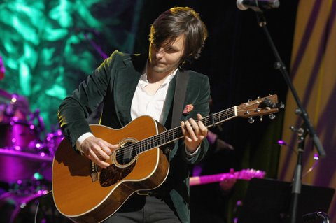 NASHVILLE, TN - OCTOBER 22:  Charlie Worsham performs onstage at the Country Music Hall of Fame and Museum Medallion Ceremony to celebrate 2017 hall of fame inductees Alan Jackson, Jerry Reed And Don Schlitz at Country Music Hall of Fame and Museum on October 22, 2017 in Nashville, Tennessee.  (Photo by Terry Wyatt/Getty Images for Country Music Hall Of Fame & Museum)