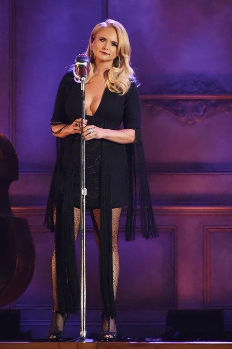 NASHVILLE, TN - NOVEMBER 08: Miranda Lambert performs onstage at the 51st annual CMA Awards at the Bridgestone Arena on November 8, 2017 in Nashville, Tennessee.  (Photo by Rick Diamond/Getty Images)