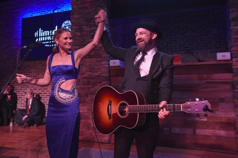 NASHVILLE, TN - NOVEMBER 09:  Jennifer Nettles and Kristian Bush of Sugarland perform onstage during the Big Machine Label Group's celebration of the 51st Annual CMA Awards at FGL House in Nashville on November 8, 2017 in Nashville, Tennessee.  (Photo by Rick Diamond/Getty Images for BMLG )