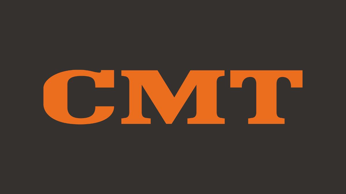 Luke Bryan Wins First CMA Award, Hugs Garth Brooks