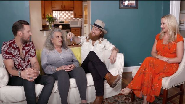 Hot 20: Brothers Osborne Surprise Mom with Nashville Home
